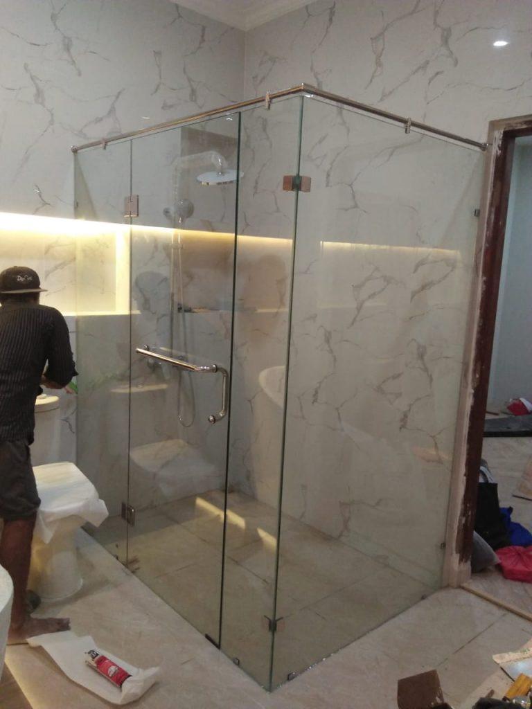 Jasa Pasang Shower Box / Kaca Kubikal Untuk Partisi Kamar Mandi